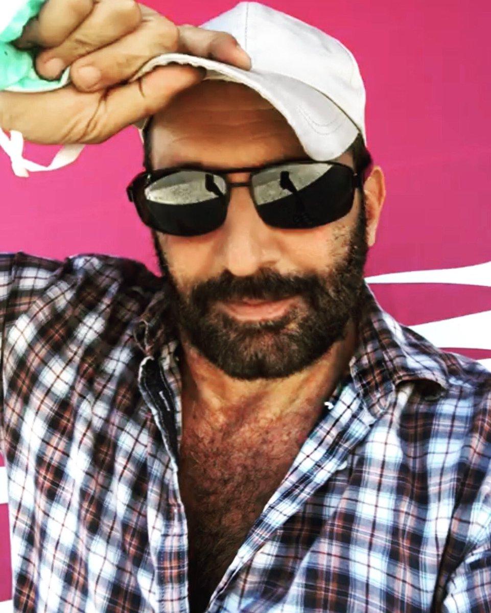 chapeau  !! Have a good day #chapeau #hat #cap #cappello #cappelli #sunglasses #beard #beardstyle #beardman #barba #male #man #portrait #portraitphotography #robertoblasi #selfiepic.twitter.com/C0HNo6dE2e
