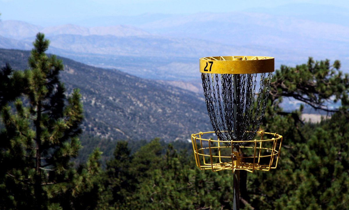 Spend Memorial Day in the mountains. The Sky High Disc Golf Course is open today 8am-5pm with 27 holes of high-flying fun. See you soon at the North Resort. #socialdistancing  #discgolf #the_sky_high_dgc #memorialday https://t.co/fiHrdwH4GZ