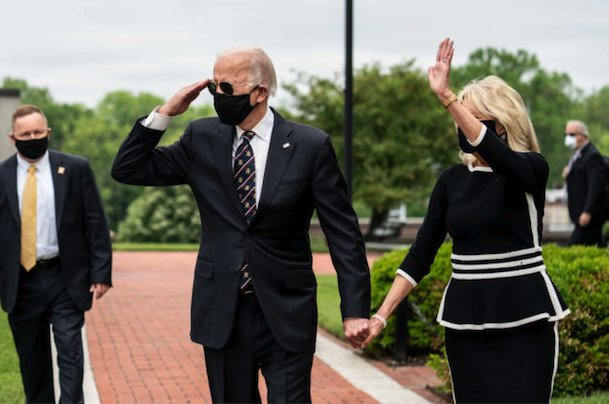 Today we are reminded what a real President should look like. @JoeBiden @DrBiden #Biden2020 pic.twitter.com/Bx3gFxFE9a