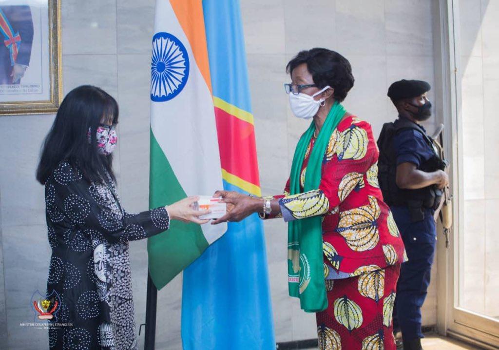 #Sante  Lundi 25 mai oyo, Gouvernement indien e pesi ba kisi na @RDC_Minaffet mpo na ko bundisa boko ya Coronavirus !  #RDC #Kinshasa #Covid19 https://t.co/RVpk7aPU5O