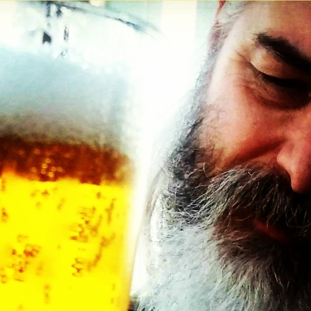 Time for a cold one   #greyhair #greybeard #silverhair #silverbeard #silverfox #beard  #beardsofinstagram #beardedmen #beardfashion #beardforlife #beardlove #beardgang  #beardpower #beardnation #beardking #longhair #longhairedmen #longhairedmenofinstagram #longhairedguyspic.twitter.com/50lw7Wmie9