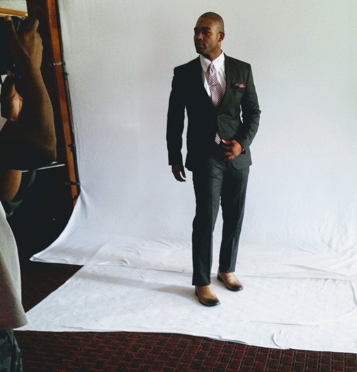 The clothes doesn't make the man, The man makes the clothes. #Actor #Model pic.twitter.com/6ClJu6Szu6