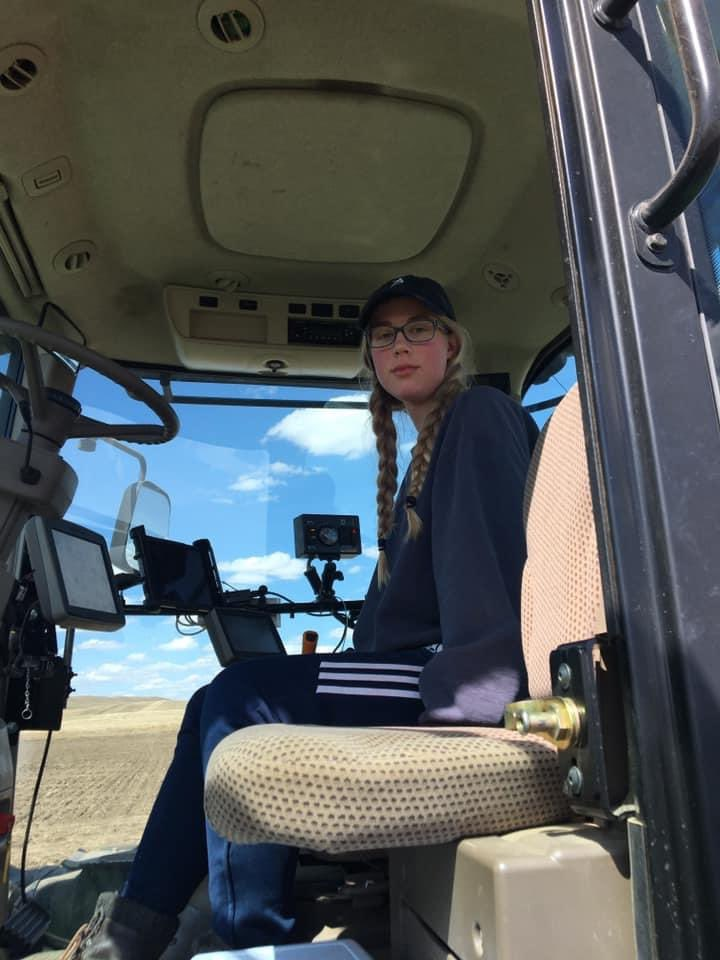 This is my 18 yr old. She has been working 13 hr days/ 6 days a week. Earning tuition for next yr. Running big machinery.   #FamilyFarm #GenZ #SeedingTime https://t.co/1IqYBzdgZd