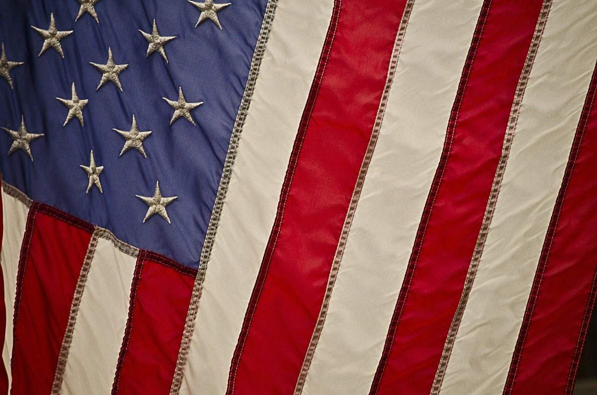 We are wishing you a safe Memorial Day from all of us here at The Cosmetic Dentists of Austin. We know this day is hard for many and we want to thank the friends and families of our military heroes. http://TheCosmeticDentistsOfAustin.com #CosmeticDentist #CosmeticDentistry pic.twitter.com/13ufjwuYvP