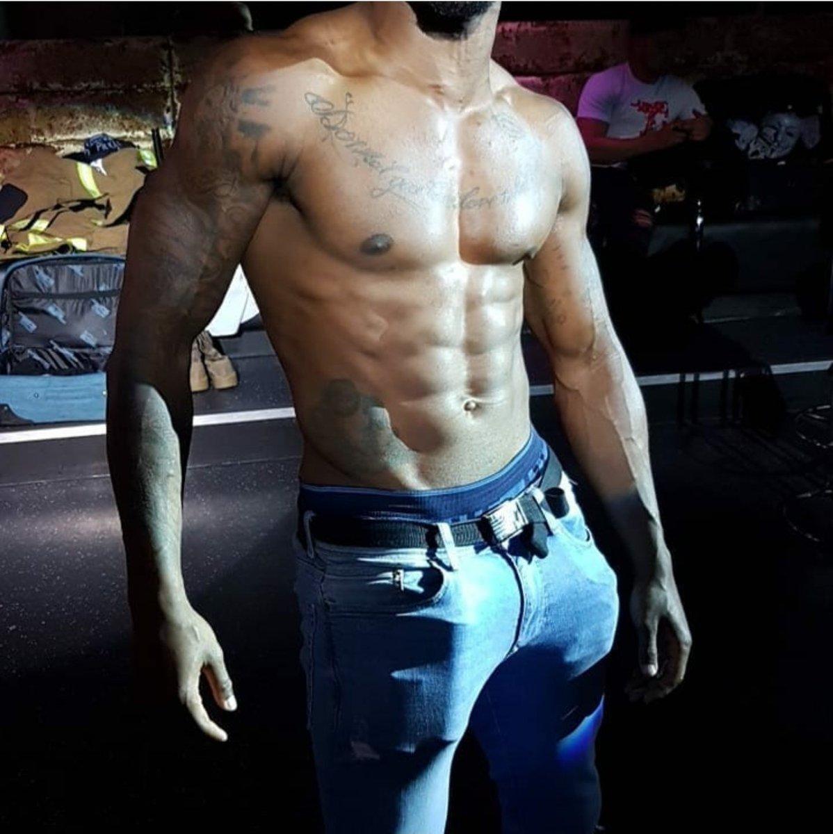 Ready to put on a show 😈 ⬇️ onlyfans.com/chocolatemix @SexyMenOnIy @Sexyfamousmen @hotnakedlads @stripp_muscle @ATMaleStrippers @atm4bbc @blackboysXXX @BlkStrippersLV @buldg @maletalentinc @Xxxfitnessmen @OF_MuscleModels @Addicted2Muscl @ApolloPromoter @Hotukmen @FitFamousMales