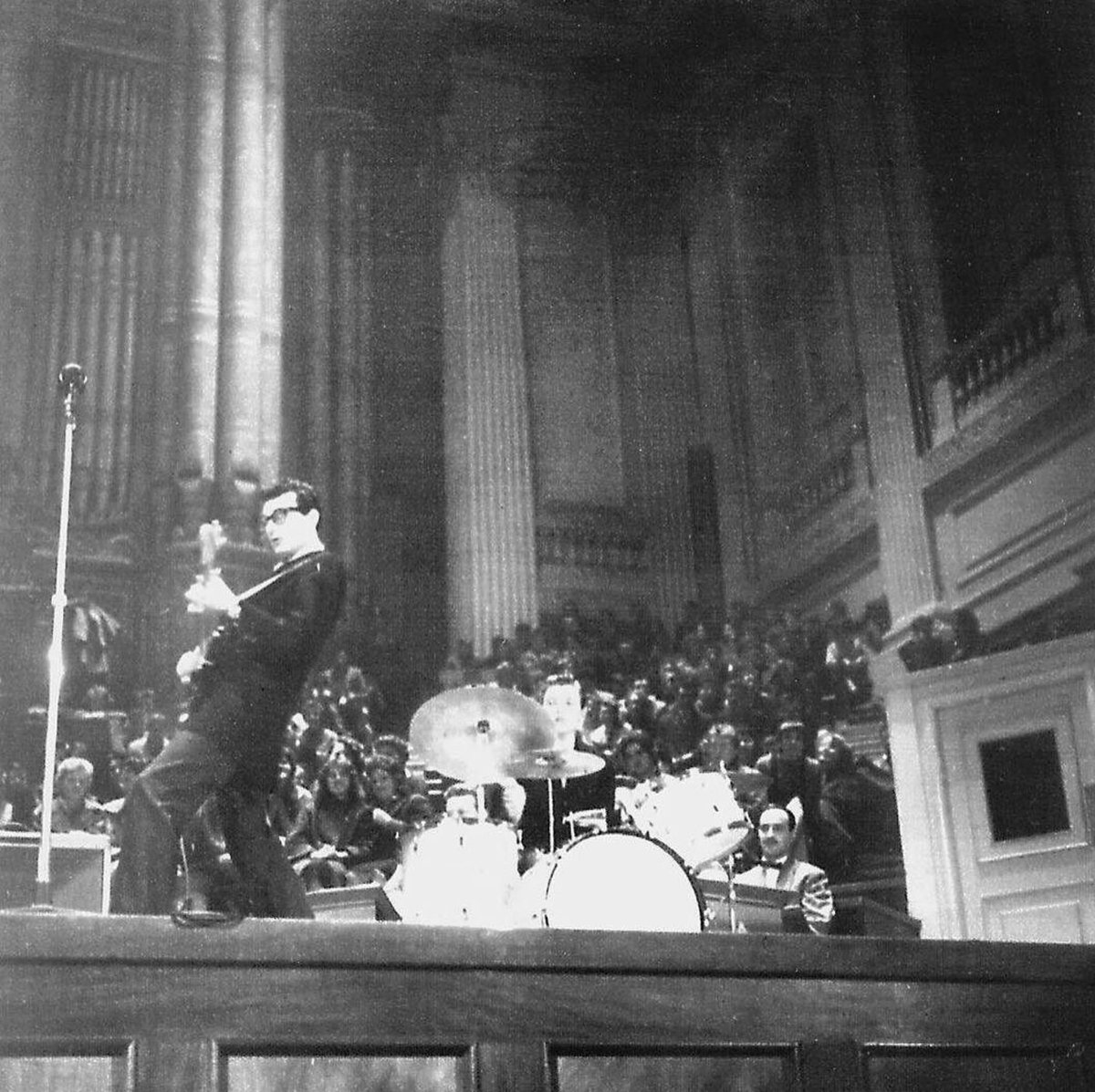 Give me a Time machine  Buddy Holly 1958 at the Birmingham Town Hall, UK #rocknroll pic.twitter.com/yKVMuHZGIi