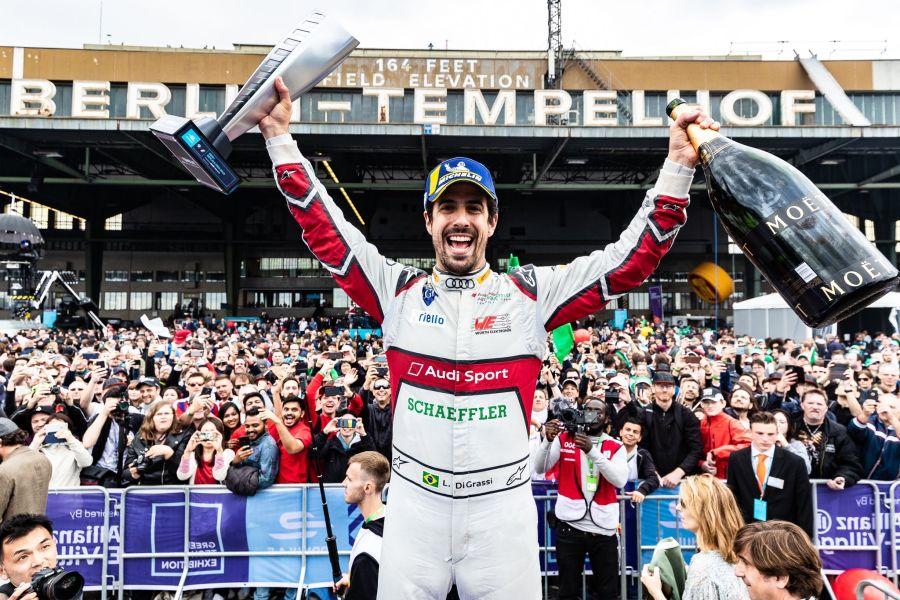 One year ago, @LucasdiGrassi scored his 10th career @FIAFormulaE win at Tempelhofring #ABBFormulaE #FormulaE #FE #BerlinEPrix https://t.co/RU4MmqGvAo