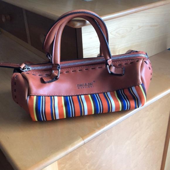 So good I had to share! Check out all the items I'm loving on @Poshmarkapp from @pamelag203 @AndreaRocke1 @Annette41404500 #poshmark #fashion #style #shopmycloset #classicwoman #shoshanna: https://posh.mk/2brC5Jo4K5pic.twitter.com/zUzGHBx2jZ