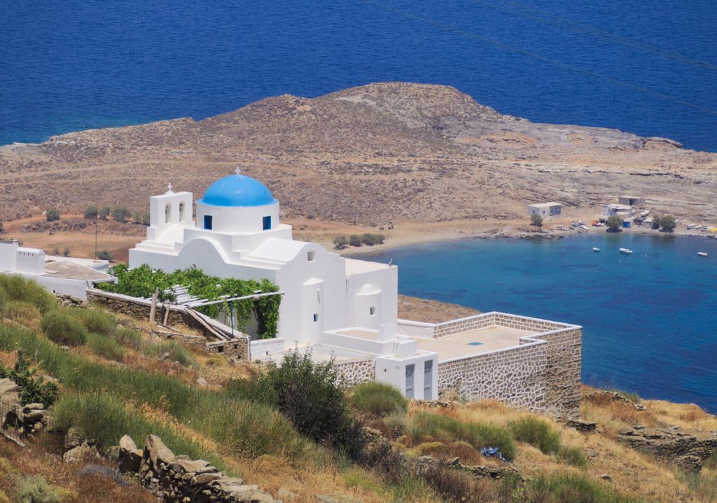 Amazing views of the Aegean Sea, this is Panagia Skopiani, on the northeast of Serifos. . . Inquiries to hi@greca.co . Book now and pay in up to 12 installments with no interest! . #TravelFromHome #Greece #Inspiration #Tillwemeetagain #Landscape #Beach #GreekIsland #Amazingviews pic.twitter.com/joRSLnieeb