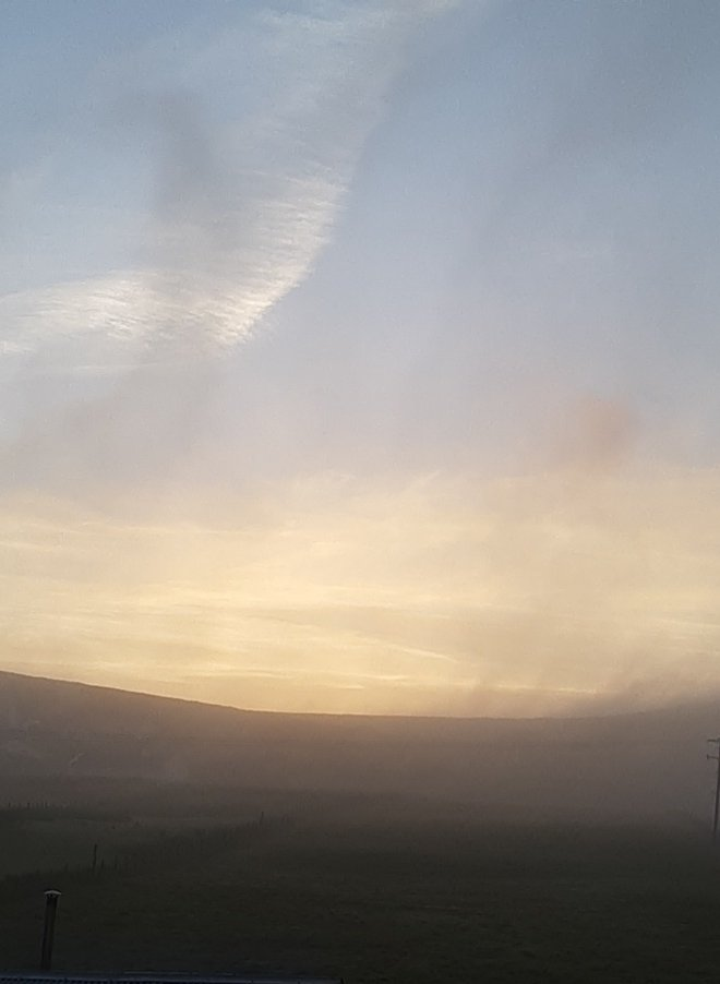 The mist is finally burning away this eve after a very soft day in #achill #mayo pic.twitter.com/DfIsClxuBD
