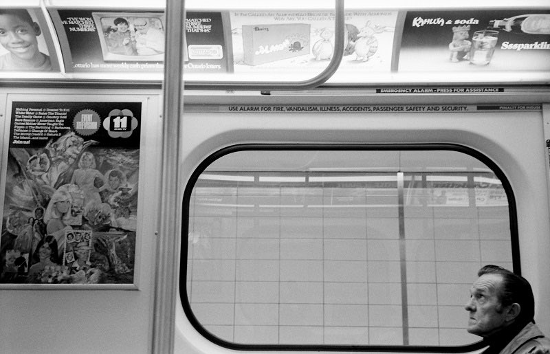 Subway Car, Toronto, 1982  #streetphotography #Toronto #filmphotography #1980s #photooftheday #retro #TTC #subway #photography #blackandwhitephotographypic.twitter.com/PJfGZKNPNU