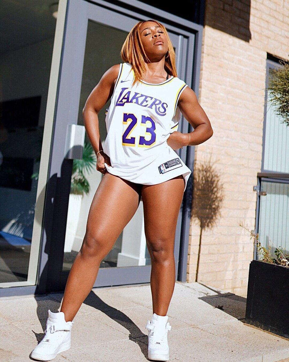 TAKE THE SH🏀T #23 #LebronJames #basketball #lalakers #la https://t.co/ywTqllu0fs