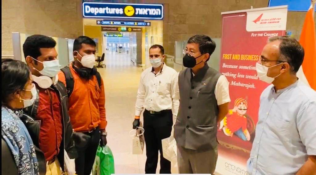 A joy to see the happy faces of those who are finally going home to India! #VandeBharatMission by @airindiain flight has successfully evacuated stranded Indians in #Israel. We wish them a safe journey. Thank you everyone @DrSJaishankar @HarshShringla @SecySanjay @MEAIndia