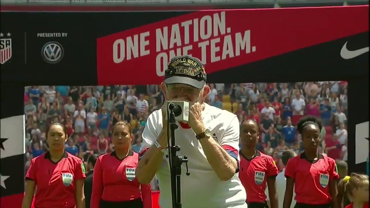 In honor of Memorial Day, here is 96-year-old WWII veteran Pete DuPrés powerful rendition of the national anthem 👏🇺🇸