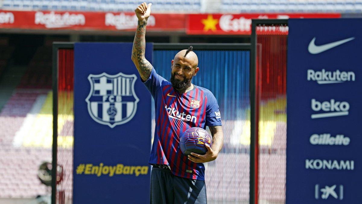 👑 @kingarturo23  🔙 His first 24 hours as a Barça player 🔗 https://t.co/cmUYExHwv1 https://t.co/wUTmHalkEk