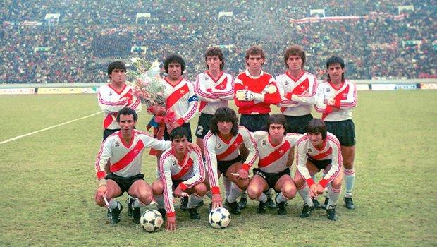 Los campeones del 86 saludaron a River   https://t.co/yv4sf4mM1y   #Alonso #Ruggeri #Alzamendi #Gordillo #Pumpido #Morresi #119CARP #FelizCumpleRiver https://t.co/EpNUobYKTu