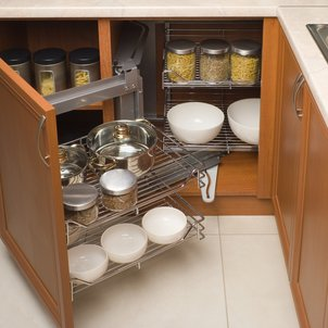Learn how to create a regular #cleaning routine for your #kitchen cabinets.  http://cpix.me/a/98008206pic.twitter.com/flcLRB3AVP