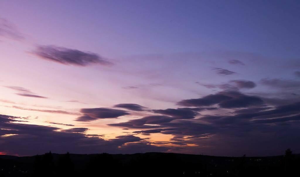 Big fluffy clouds  #landscapephotography #sheffieldphotography  #sheffphotos #5dmarkiipic.twitter.com/XsTjKi9Ykn