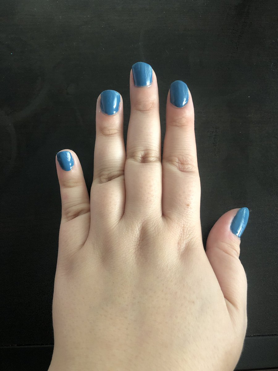 First time doing my own #gelnails at home! Not too bad for a first try! #QuarantineLifepic.twitter.com/hOJ3laJUWh
