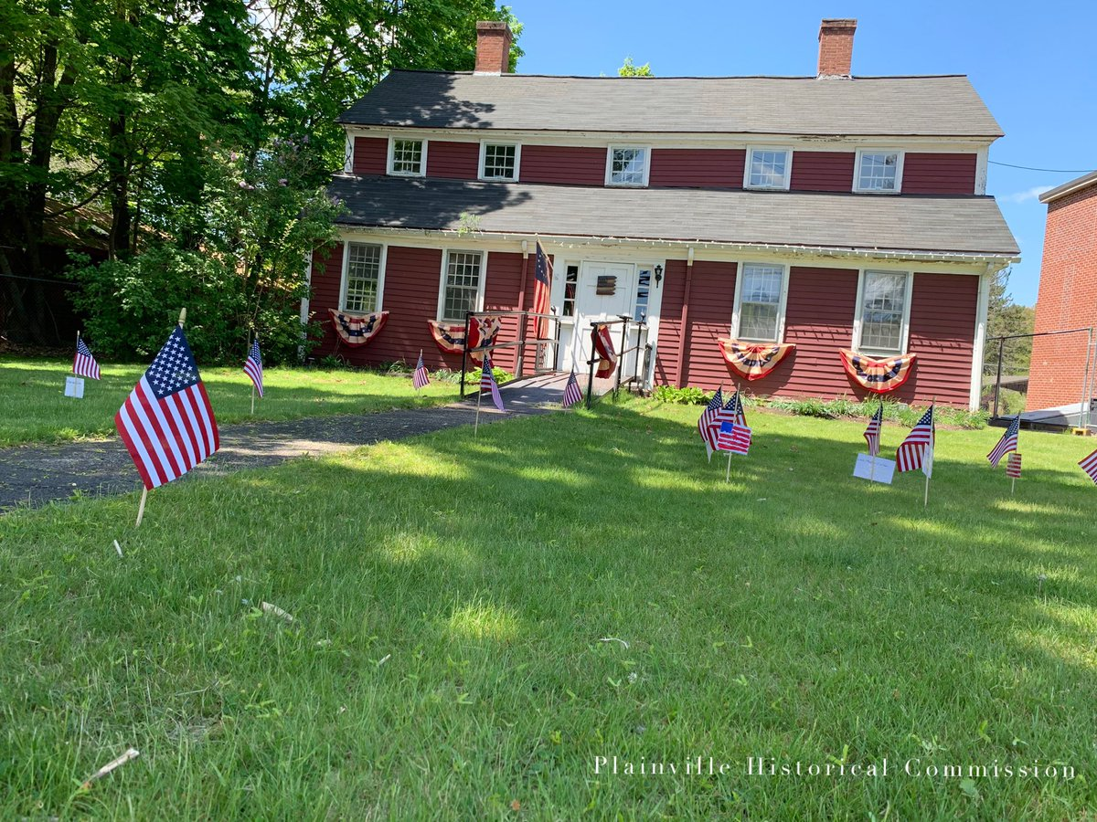 Our own #HeroesFlagGarden in front of the Humphrey House feature the names a few of #Plainvillema Civil War soldiers of the many that served from Plainville in all conflicts. We #HonorTheFallen not just on #MemorialDay but every day.  #MemorialDay2020  #PlainvilleStrong https://t.co/7NsFrZfJ4g