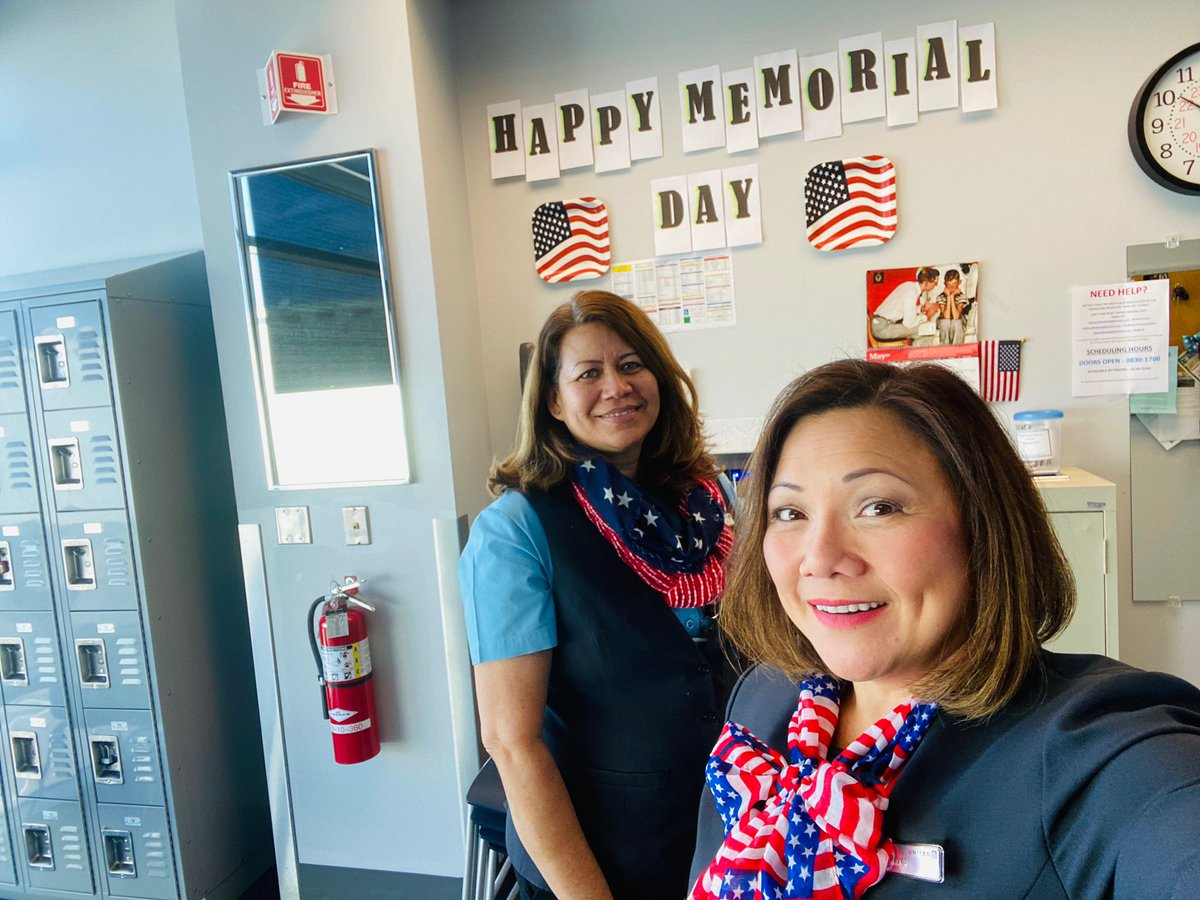 Jo, thank you for decorating the CS Break Room today! 🇺🇸 You are always so sweet to think of others and you are an absolute treasure to @united! ✈️ Thank you for being you! 💙🤍❤️ #beingUnited #UnitedTogether #MemorialDay https://t.co/xK6oHZjVxp