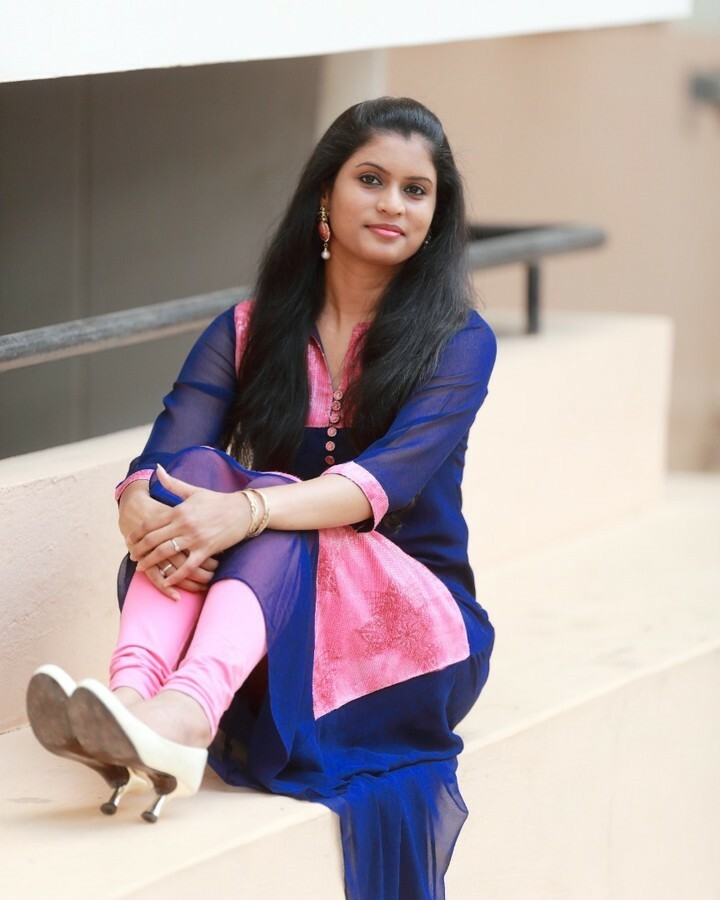 Eid Mubarak!  . . . . . #eidmubarak #eid #ramadan #eidulfitri #happyeid #styleblogger #everydaystyle #basiclook  #stylediaries #stylefiles  #lookbook #styling #stylepost #stylegram #stavanger #norway #outfitoftheday #whatiwore #wiw #indian #hydera… https://instagr.am/p/CAoKZjLBSt9/pic.twitter.com/ROl2u4Tf3P