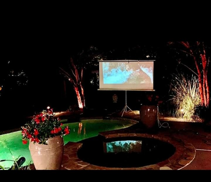 Can I just say my friend @mjfellin backyard is like a private paradise !<br>http://pic.twitter.com/VP9WN1HAxN
