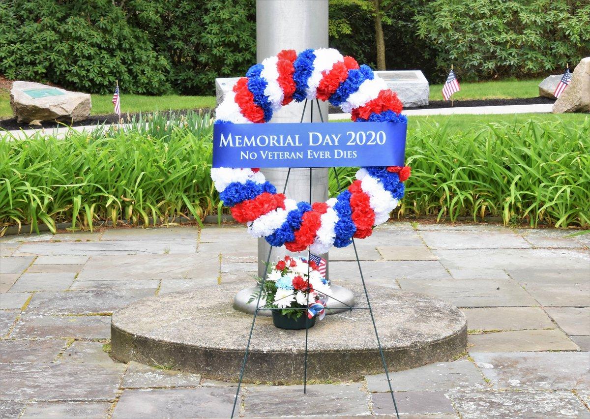 Massachusetts National Cemetery in Bourne today.  #MemorialDay2020 #MemorialDayMA #MemorialDay https://t.co/EkpupDuEzY