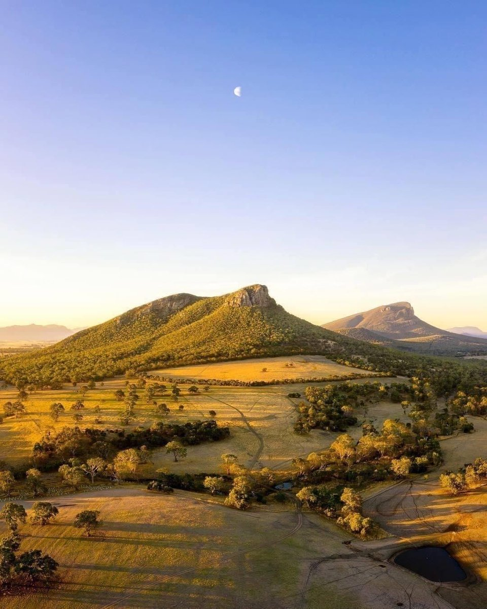 test Twitter Media - Golden afternoon light shining over the Grampains National Park 🙌 Today we're dreaming of a road trip to the Grampians. 📸 via IG/craig_richards_photography #StaySafeStayHome https://t.co/pfdIYQe36B