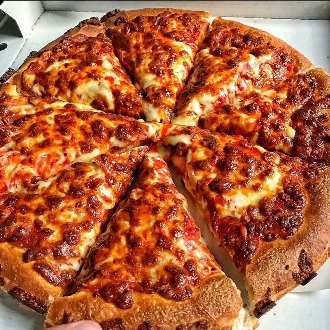 How many Slices can you eat? #Foodie #foodpic.twitter.com/7wGdCbI6Zv