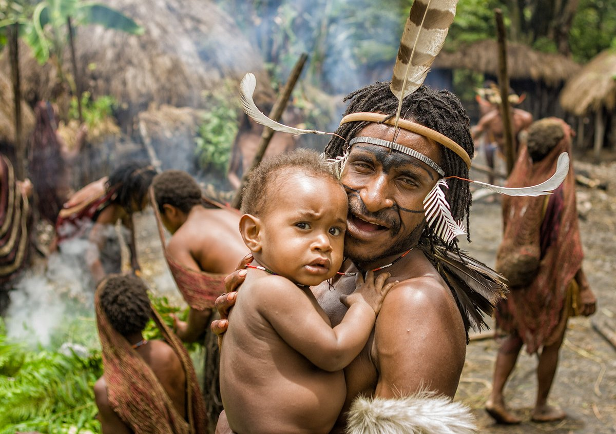 The way of life for the people of #WestPapua is being destroyed. Time is running out for them under #Indonesia's illegal colonial occupation.  Over 500,000 indigenous people have been killed so far in a wave of ethnic cleansing carried out by the Indonesian military. pic.twitter.com/UmDGCeB28l