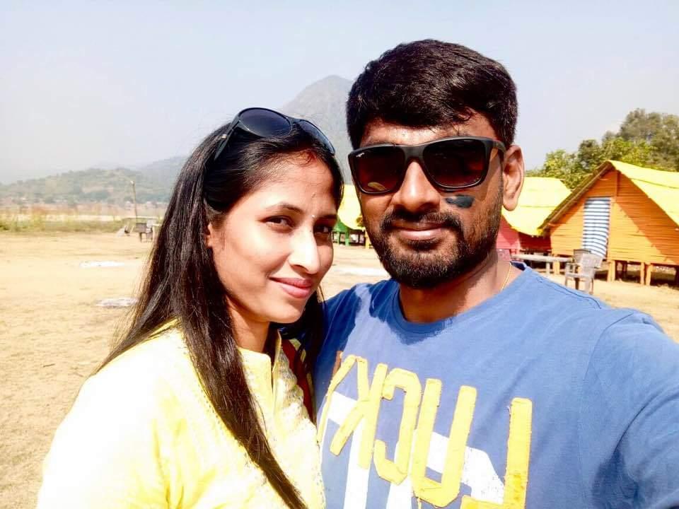 Happy Wedding Anniversary to the most Talented #ArtDirector @sahisuresh & #Paramjyothi garu pic.twitter.com/5f8QIZpKnt