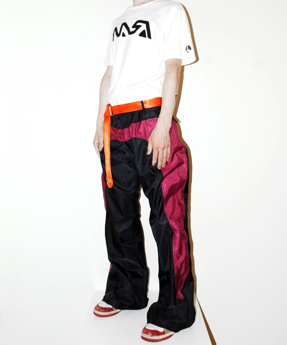 German sports wear brand 『UNCLE SAM』 Y2K rave design pants ¥10,000(+Tax) *deadstock  http://excube.thebase.in   80年代から続くドイツのスポーツウェアブランド『UNCLE SAM』 2000年代のレイブなナイロンパンツ。デッドストックです。pic.twitter.com/hEqvPrIUYE