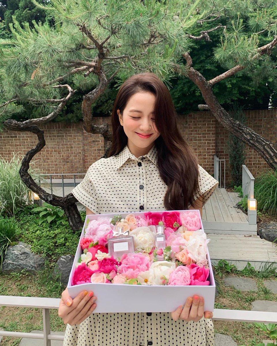Jisoo Miss Dior  yang lebih indah dari bunga @diorparfums @ygofficialblinkpic.twitter.com/TRXapbG9wB