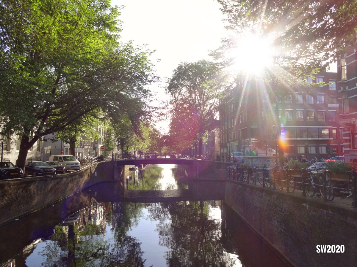 Looking towards the Leidsegracht in #Amsterdam pic.twitter.com/Au3t2BMrpi