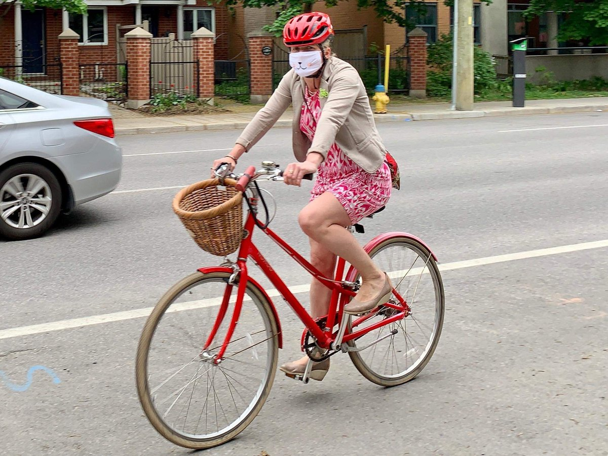 This #BikeToWorkDay, let's continue to promote cycling and other forms of active transportation for smarter, and cleaner communities.   It's also a great way to stay healthy while practicing #PhysicalDistancing.<br>http://pic.twitter.com/XzQh4ABac9