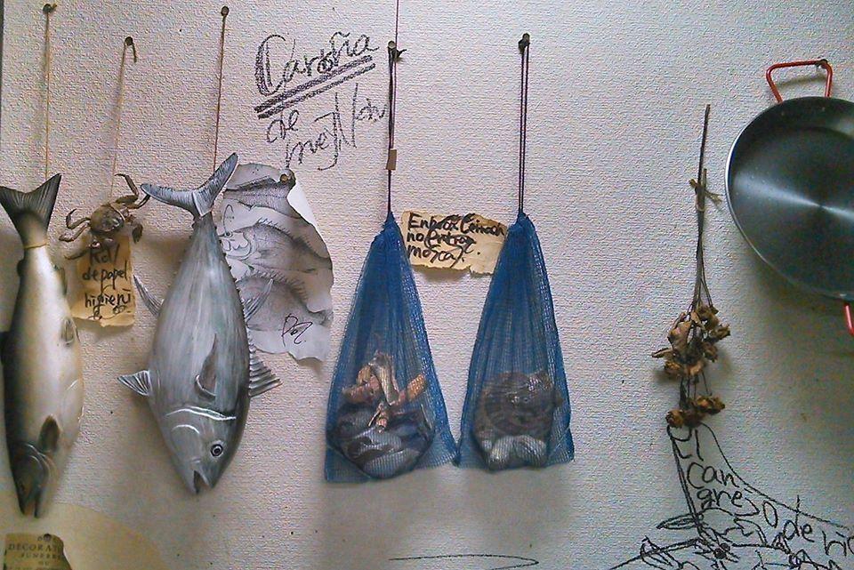 自宅で撮影した海外っぽい写真シリーズ! その4「スペイン漁師の台所」 #自宅でミュージアム  #写真 #写真で伝える私の世界  #イラスト好きさんと繋がりたい  #絵描きさんと繋がりたい  #読書好きな人と繋がりたい  #洋画好きな人と繋がりたい #初夏の創作クラスタフォロー祭り https://t.co/cXKR7Pulnu