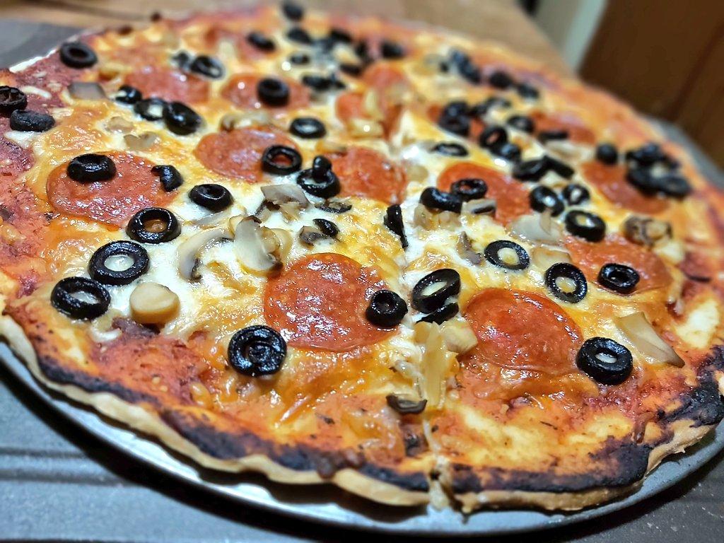 Lunes   #pizza #panama pic.twitter.com/Wo6tdp9i83