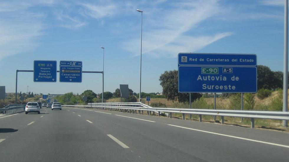 Actualidad/ ¿Cómo podemos viajar durante la Fase 1 y 2 de la desescalada en #Alcorcón? Te lo contamos 👇👨💻👩💻🤳  https://t.co/q3qBpXSva6 https://t.co/1LDJa0KhOo