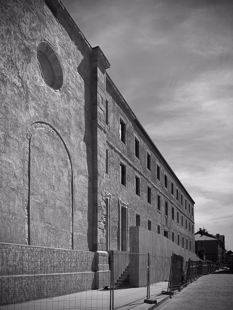 around the time #arquitectura #gijón #architecture  #withvillasanaarquitecto  #witholitearquitecto #peredapérezarquitectos with @oscar_perez_silpic.twitter.com/JqbvYHkUKO