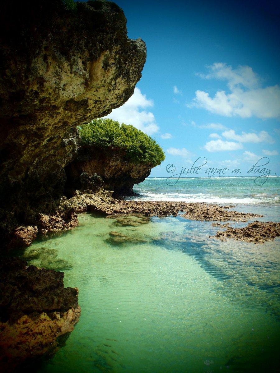 It's 5 o'clock, Yigo. Cheers! #Guam http://www.google.com/maps?q=Yigo+Guam…pic.twitter.com/vwwKjKE13q