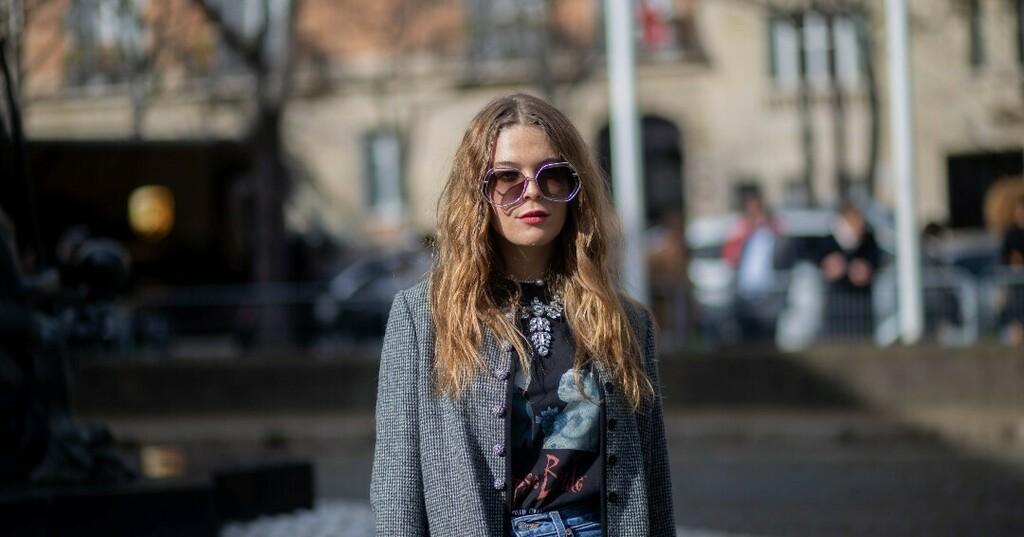 @parisfashionweek by @fhcm x @miumiu x @maggierogers . . . #maggierogers #bestsingers #singergirl #singerlifestyle #mıumıu #miumiuss20 #miumiu財布 #miumiuclub #miumiulover #miumiu #photogr #photoislife #instapicofday  #fashioned #fashionphotos #fashion… https://instagr.am/p/CApFVzIAUY6/pic.twitter.com/zQi97uEjSO