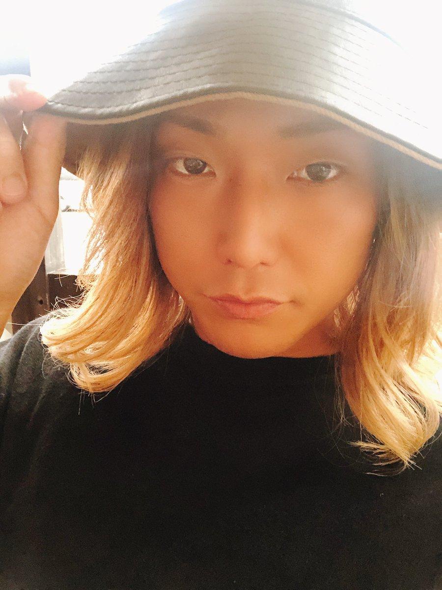 赤西仁さんの 『ムラサキ』をcoverしました  本日 21:00 YouTube ☺︎✓  本人様まで届いてほしいので みんなリツイートで 拡散してくれたら嬉しいです #オルジェネ #まさやのひとりでできるもんpic.twitter.com/Zhuw6blOhx