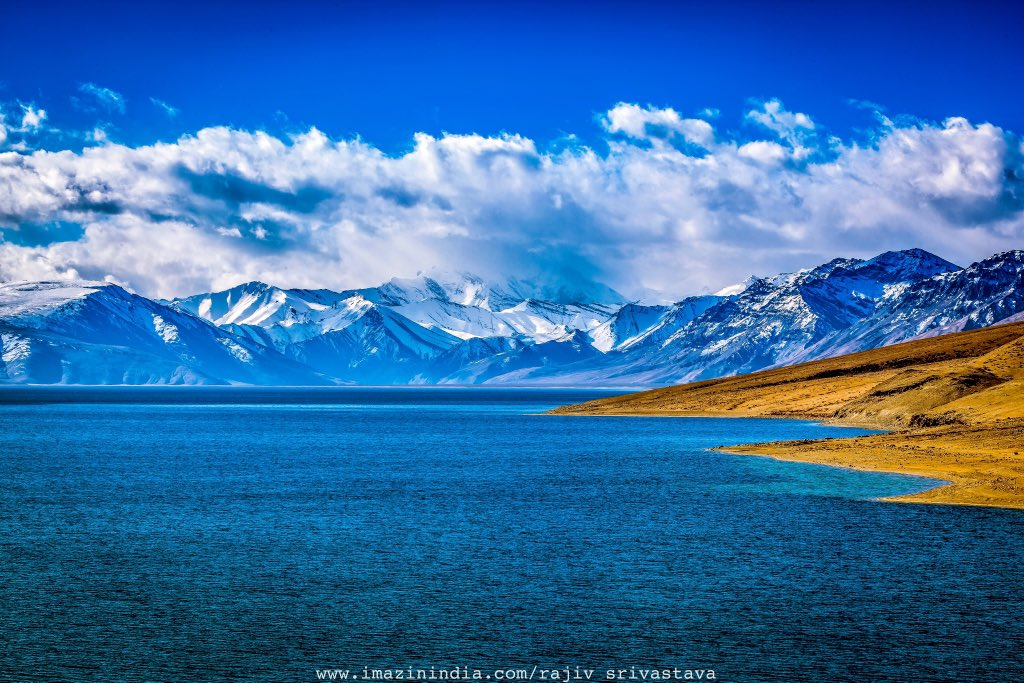 #TsoMoriri #lake in #Changthang #region of #Ladakh is one of the most #beautiful #calm & #sacred #highaltitude lakes in #India & its about 14,836 ft above #sealevel. #wildlife #migratorybirds #Traveller #landscape #photography #taschen #ThePhotoHour #rajivsrivastava #imazinindia