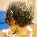 投稿者さまの娘さんの髪がかなり可愛い!4ヶ月後は毛先だけカール!