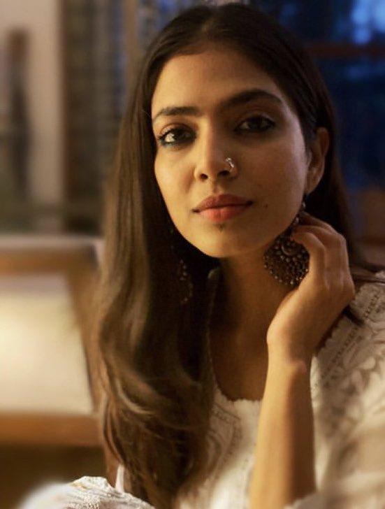 Gorgeous Actress #MalavikaMohanan @MalavikaM_ #Master #MasterTrailerUpdate #MasterDiwali #ThalapathyVijay @actorvijay @Dir_Lokesh #LokeshKanagaraj   #PhotosOfMyLife #GorgeousGirl #PRETTYGIRLS pic.twitter.com/DlcDBgmtHX