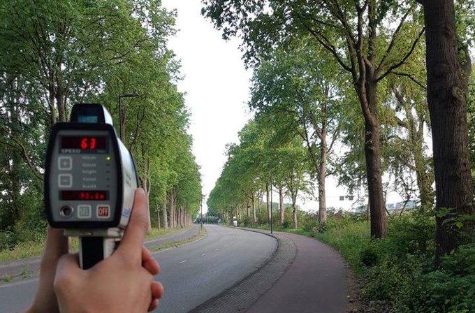 Veertien bekeuringen bij verkeerscontroles Maassluis https://t.co/VUPzaXba5D https://t.co/CukXxAm2mS