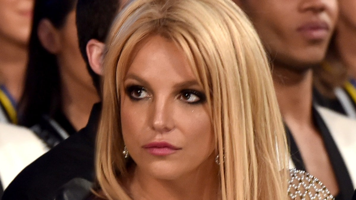 Britney Spears Self-Quarantines for 2 Weeks to See Her Sons - TMZ http://dlvr.it/RXMPXZpic.twitter.com/n9aP0s3AZg