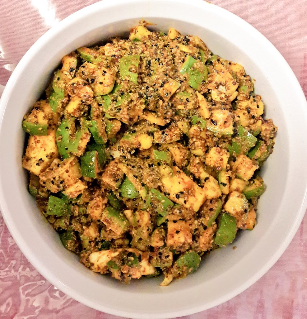 Aam ka Achar for many #YummyInMyTummy meals and give company to my parathas. pic.twitter.com/CIl9AQEvxH