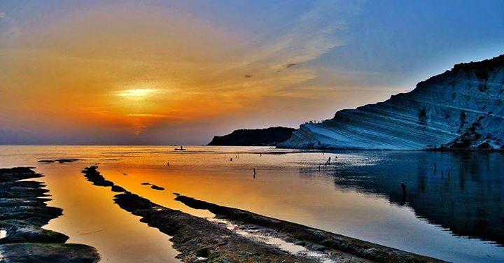 #blogsicilia I colori della Scala dei Turchi al tramonto.